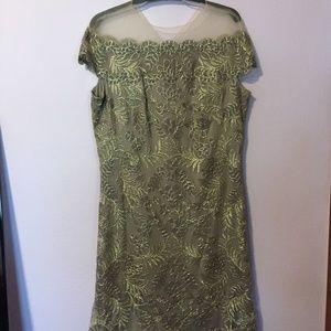 Tadashi Shoji Gold Mother of the Bride Dress 16